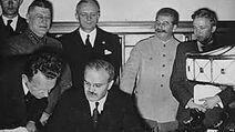 Potpisivanje sporazuma Ribbentrop-Molotov