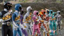 Power-Rangers-Dino