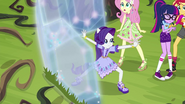 Rarity creating a large diamond shield EG4