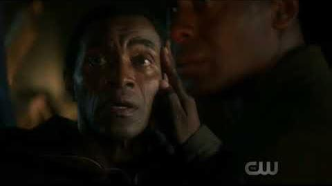 J'onn J'onzz (Supergirl) projects his memory with his father
