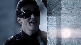 The Flash - Elongated Man's Powers