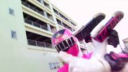 Kyoryuger vs. Go-Busters - ToQ 1gou Pink