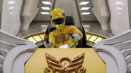 Gosei Yellow cockpit