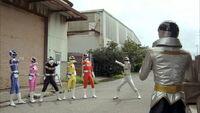 Megaranger leader Don