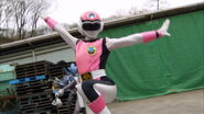 Gokaiger Ep. 12 - Pink Flash