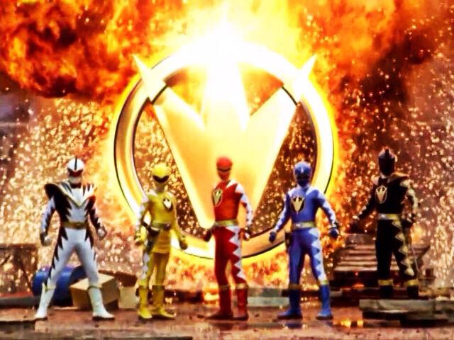 File:Dino Thunder Rangers.jpg