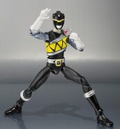 Black Dino Charge Ranger SH Figuarts