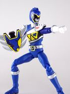 Dino Steel Blue Dino Charge Ranger SH Figuarts