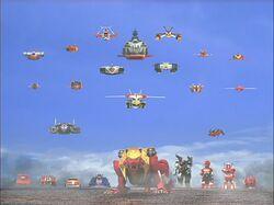 Red mecha Gaoranger vs. Super Sentai