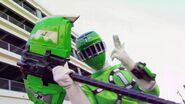 Kyoryuger vs. Go-Busters - ToQ 1gou Green