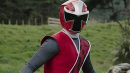 24 Ninja Steel - Ninja Steel Red Ranger 01