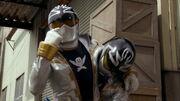 Gokai Silver vs Gokai Silver