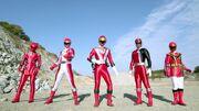 640px-Goseiger vs. Shinkenger - All Red