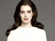 Anne hathaway 3-normal
