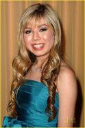 Jennette-mccurdy-ashley-argota-prism-03