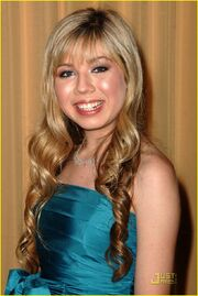 Jennette-mccurdy-ashley-argota-prism-03