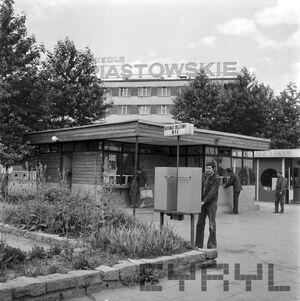 Automat biletowy WPK na Osiedlu Piastowskim