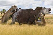 Smilodon attacks Togcbxodon