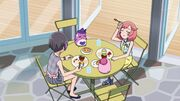 Naru and Ito eating lunch