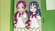 Las Chicas van a la enfermeria ya que Tsubomi se ha pinchado en un dedo