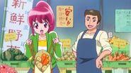 Megumi cmprando los vívers par la cena