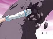 White ataca brazo zakenna piedra