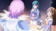 32. Minami y Kirara conocen a Kanata