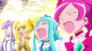 Heartcatch dando su poder a las Mahou Tsukai