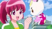 Megumi saludando a ribbon