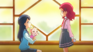 HuPC02.51-Hana esta a punto de preguntarle a Saaya sobre Pretty Cure