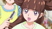 Kirara cepillando su cabello