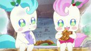 Kirarin prueba los waffles de Pikario