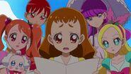 Las chicas ven que Aoi se enfrenta a Misaki