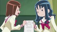 La rivalidad entre Erika y Azusa se hace notar