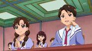 18. Unos de los estudiantes diciendo que no es justo que Aihara participe en el Tenis