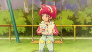 Hikaru leyendo el manga de su madre