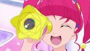 Hikaru usando el telescopio