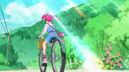 STPC1.25-Hikaru en su bicicleta