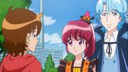 Seiji se encuentra con Megumi y Blue