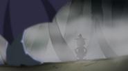 Yamoh saliendo entre las sombras