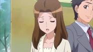 Sachiyo explica que su madrina esta atrapada en un espejo