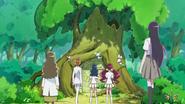 Todos llegan a la entrada del árbol