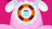 Ribbon sintiendo el poder de una taza de cafe