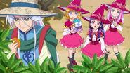 Las chicas observando a Kochou cosecar
