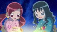 Tsubomi y Erika contentas por Naomi