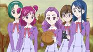 Kurumi tries to play basketball