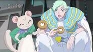 Tate dándo una donut a Westar