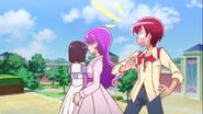 Yukari y Akira en la academia noble