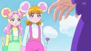 Kotoha y Mirai interpretando a los ratones