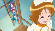 Las chicas siguen a yuko